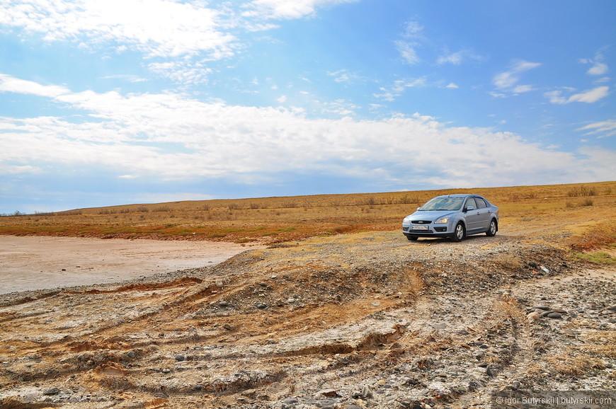 02. К некоторым озерам есть удобная дорога для подъезда.