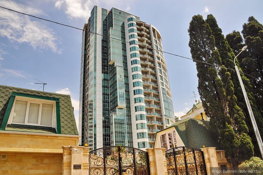 10. В архитектурном плане новое жилье в Сочи на голову выше уровнем чем в остальной России (за исключением Москвы).