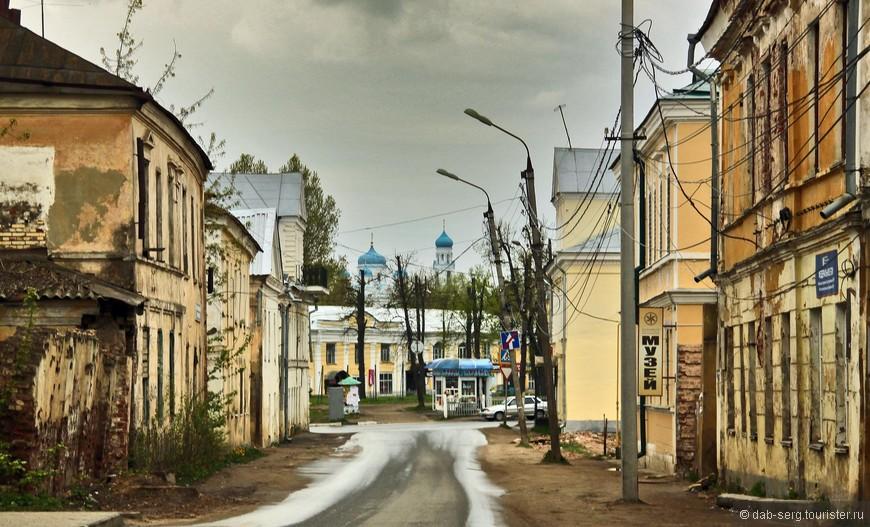 Улочки городка весьма колоритные