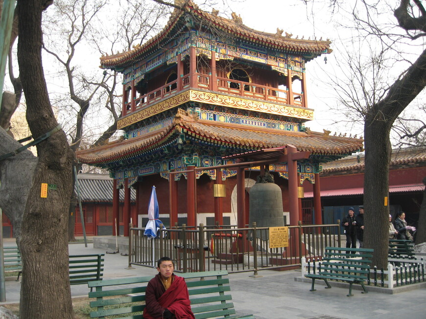 В ламаистском  храме