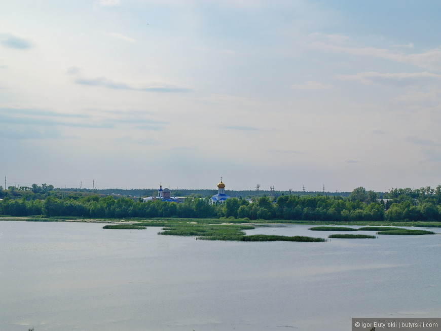 15. Неглубокая Волга, очень красивые места.