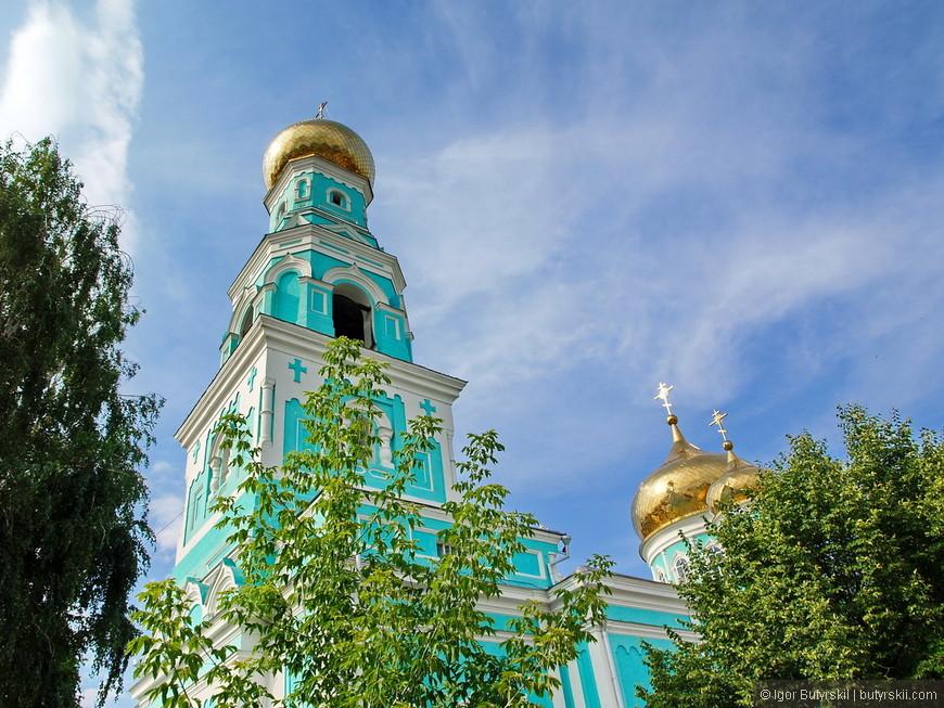 21. Казанский Кафедральный собор, построен 1872 году, а колокольню закончили в 1895.