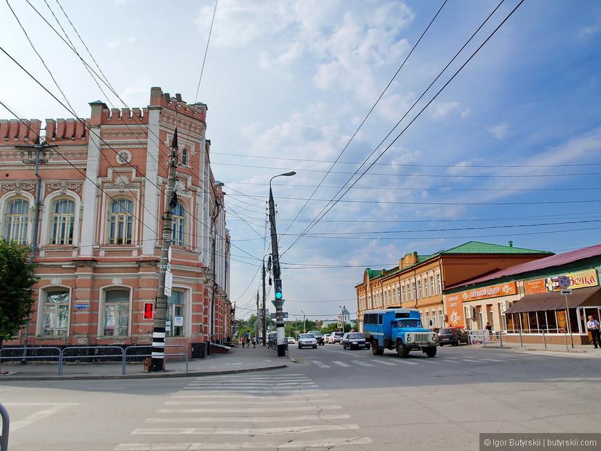 30. Улицы исторического центра города, такое чувство, что попадаешь в девяностые годы.