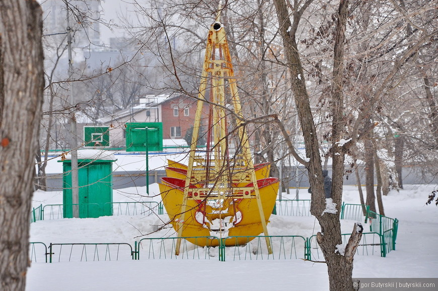 22. Вековые качели, некоторые кадры выглядят как из Чернобыля, надеюсь к сезону подкрасят.