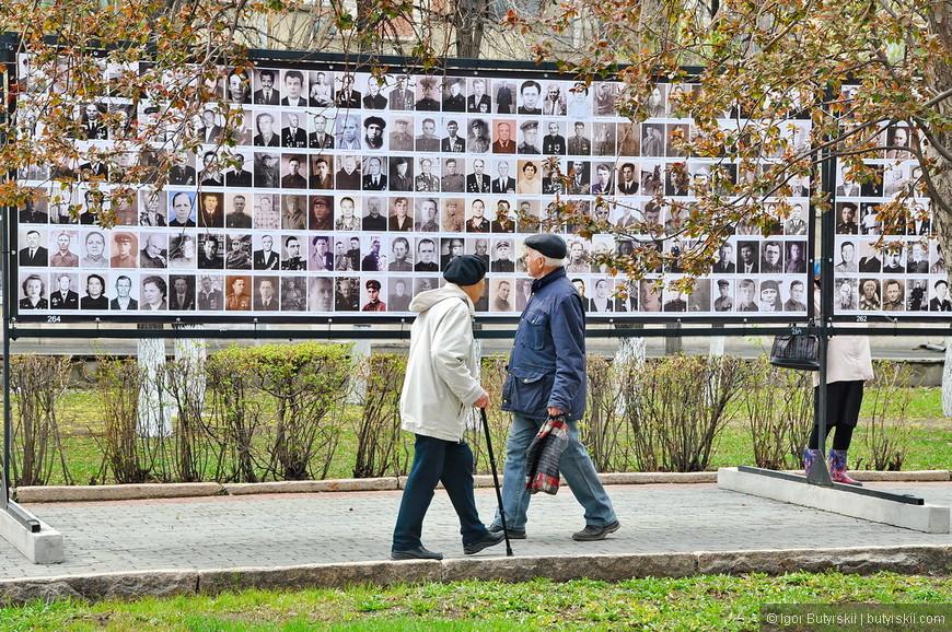 10. Сотни стендов заполонили парк, превратив его в настоящую историческую выставку.