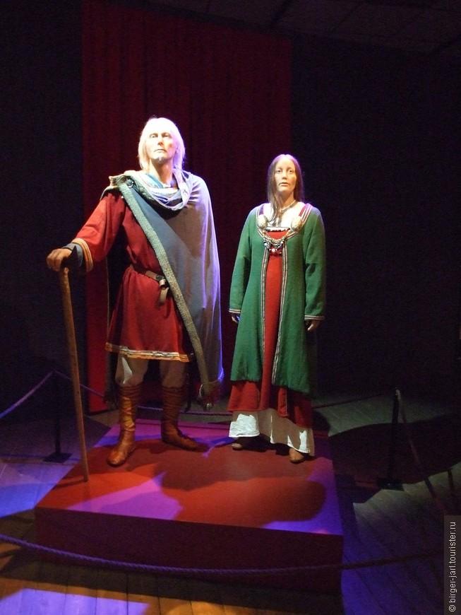 Музей викингов рассказывает историю поселения Борг и об археологических находках в этих местах.