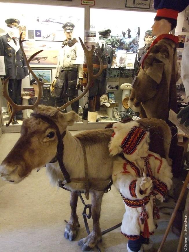 Экспонаты музея - саамы.