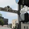 Направление улиц Santa Monica и Rodeo Drive в Беверли- Нилз