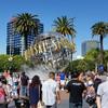 Юнивёрсал Студия всегда полна посетителей и туристов с разных уголоков земного шара