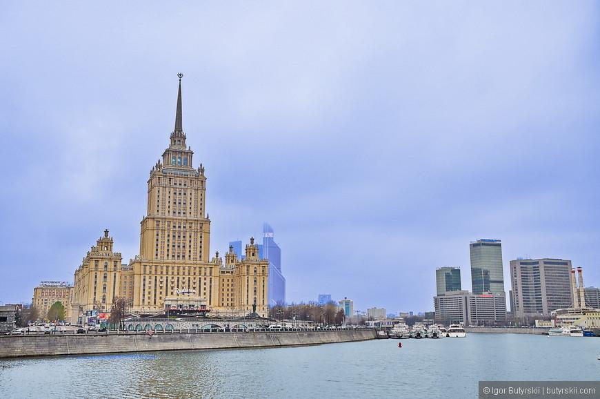 13. В непосредственной близости от гостиницы находятся Правительство РФ, Правительство Москвы, Красная Пресня, Москва-Сити. Со здания легко выехать на правительственную трассу Новый Арбат, в общем, расположение гостиницы очень удачное.