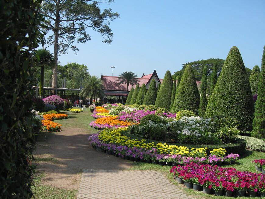 Французкий парк в парке Нонг Нуч