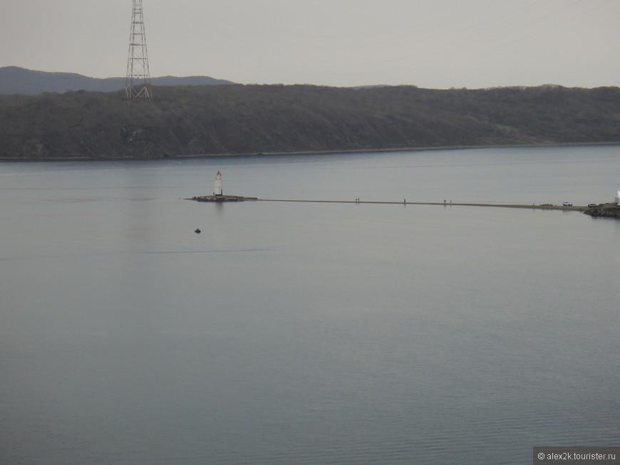 Владивосток. Вид на Токаревский маяк.