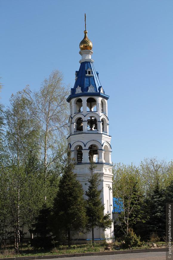 Малая колокольня.