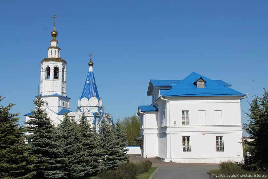Вид на монастырь.