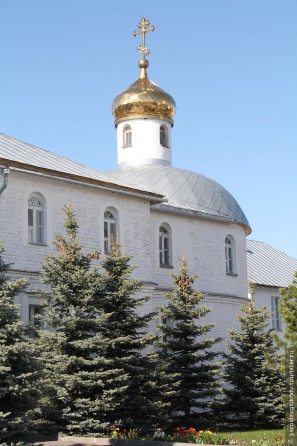 Церковь Святых мучеников Адриана и Наталии.