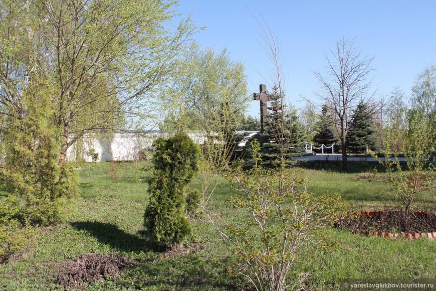 Зелень в Свято-Успенском Зилантовом монастыре.