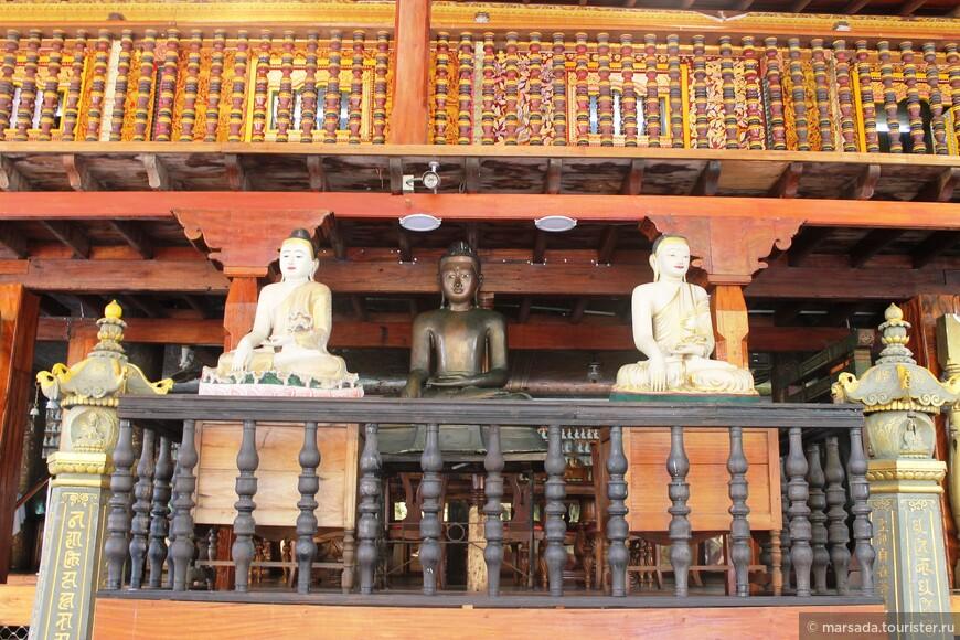 Настоятель Девундера собирал буддистские тексты и священные предметы и превратил святилище в крупный культурно-образовательный центр, который одинаково ценится и паломниками, и людьми, желающими познакомиться с традициями Шри-Ланки.