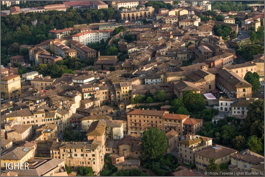 в этот раз же я был ответственным за машину с шариком в течении трех дней/трех полетов в Isola d'Alba в Пьемонте и Colle di Val d'Elsa и С/ь/иене в Тоскане