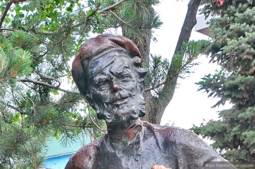 07. Многие скульптуры появились в 2013 году по указу мэра города.