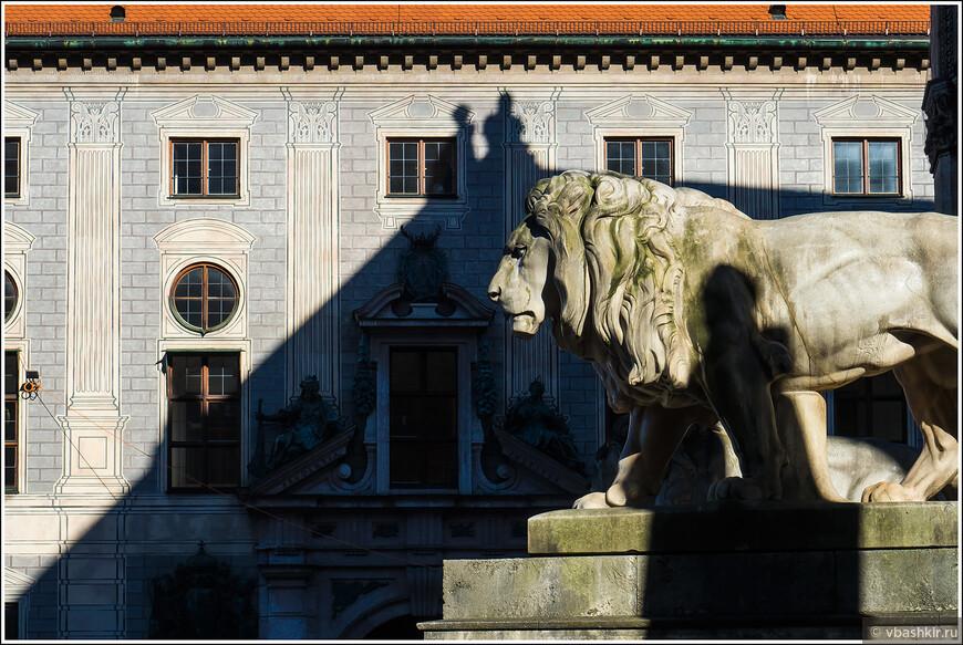 Лев на Фельдхеррнхалле.