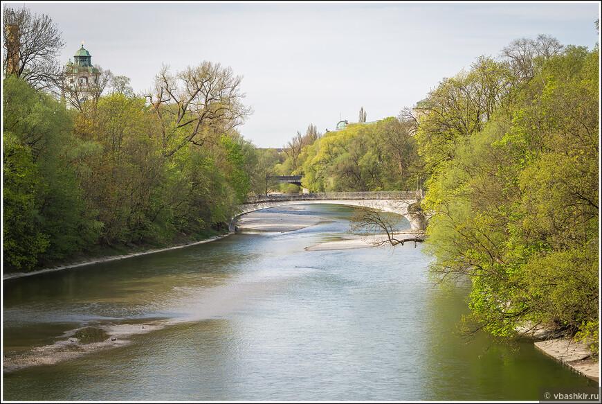 Полноводная река Изар))) Это, кстати, в центре Мюнхена такая пастораль!