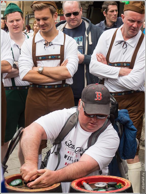 Ну какие же баварцы без бочек! ))