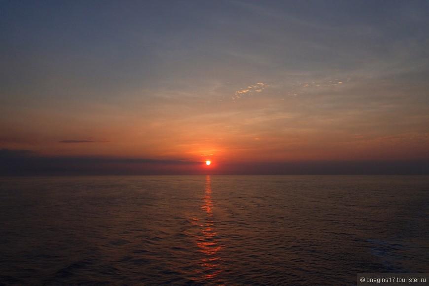 Рассвет в Карибском море.