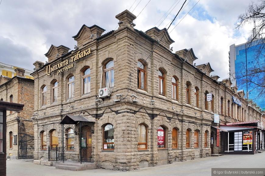 34. Улица протянулась в центре города на 830 метров и после реконструкции в пешеходную стала главной достопримечательностью Челябинска.