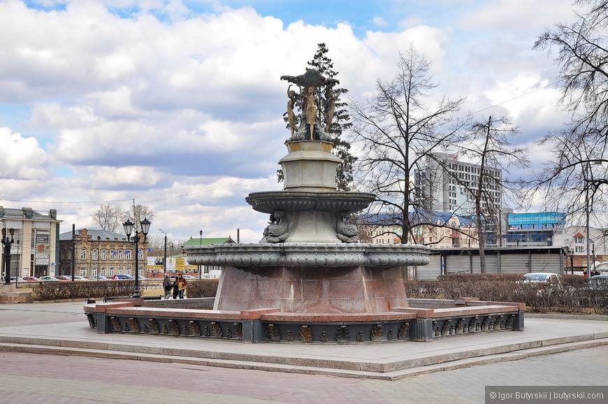 36. Вблизи Кировки есть симпатичный фонтан.