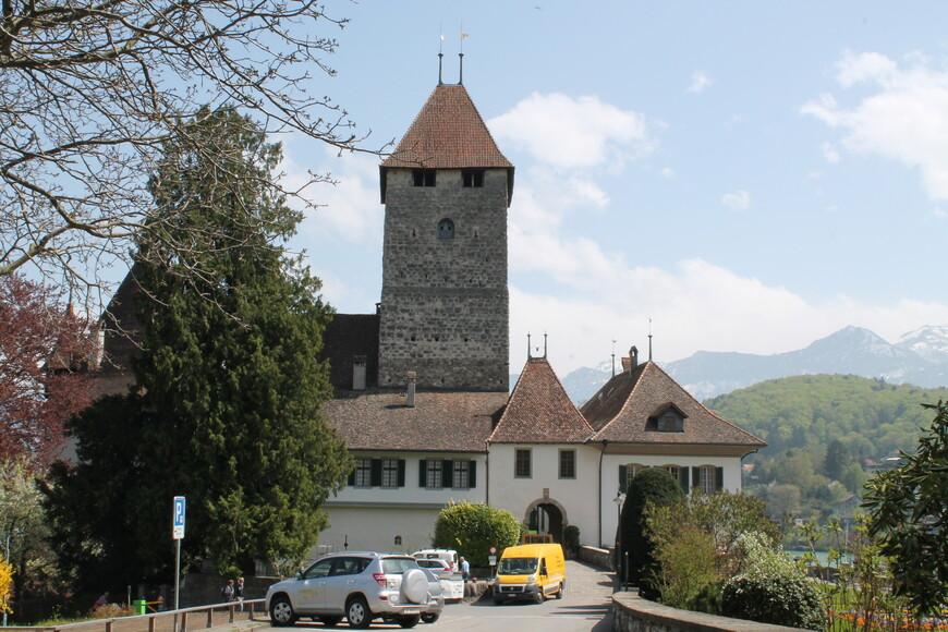 Замок Шпиец (Экскурсия по Бернскому высокогорью)