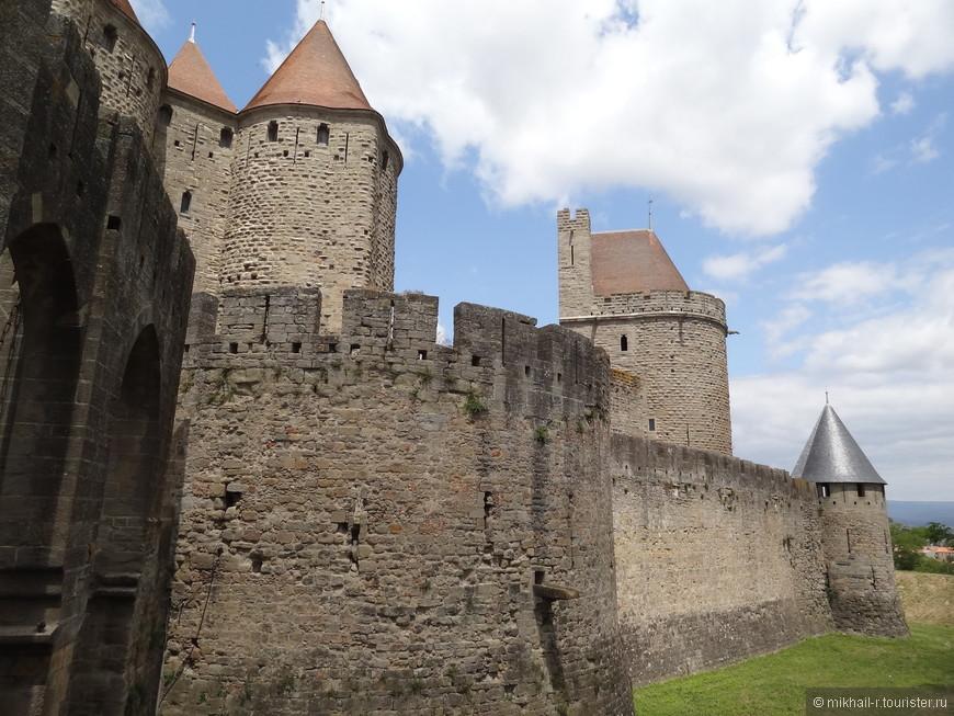 В средние века эти стены пережили бесчисленное количество сражений.