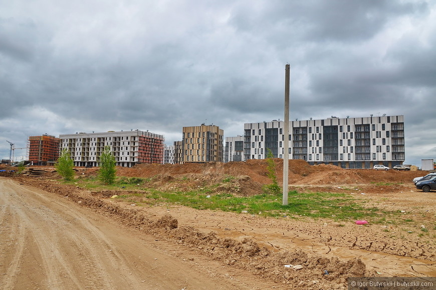 06. Первые жильцы заезжают уже в этом месяце, то есть всего после 3-х лет с момента начала строительства в городе уже живут люди – это феноменальная скорость.