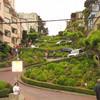 Самая живописная и самая извилистая в мире улица — Ломбард Стрит
