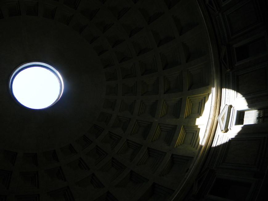 игра света в Пантеоне
