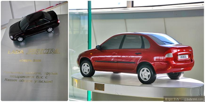 07. В музее есть много дополнительных информационных стендов с историей развития марки, моделях машин, и разной полезной информацией.