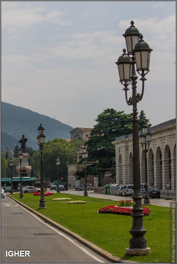 начну фотопрогулку с площади Арналдо