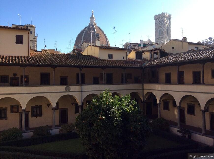 Внутренний дворик Сан Лоренцо
