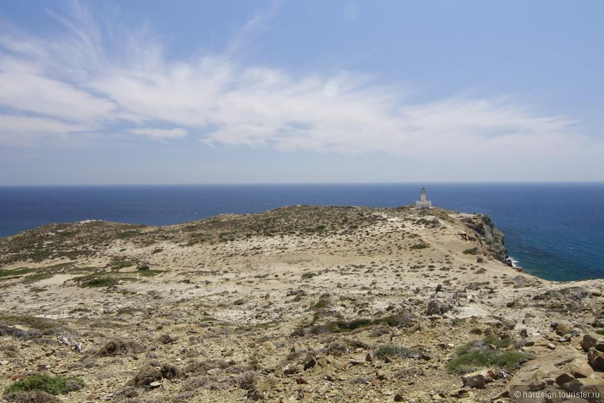 Маяк на самом конце острова. В том месте, где моря сливаются