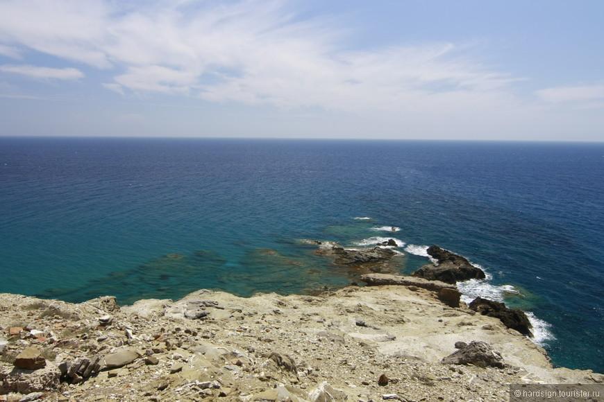 Место где моря сливаются. справа бурлит Эгейское, слева спокойное Средиземное