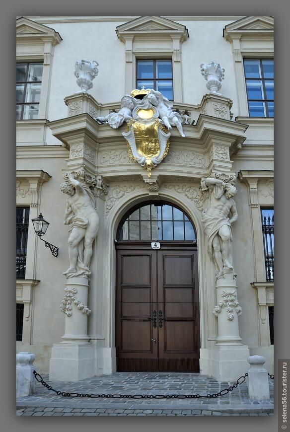 Здания Вены очень красивы ,особенно в кольце Рингштрассе.