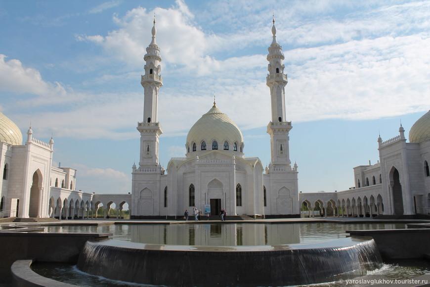 Белая мечеть является соборной мечетью Болгара и самой большой мечетью Юго-Запада Татарстана.