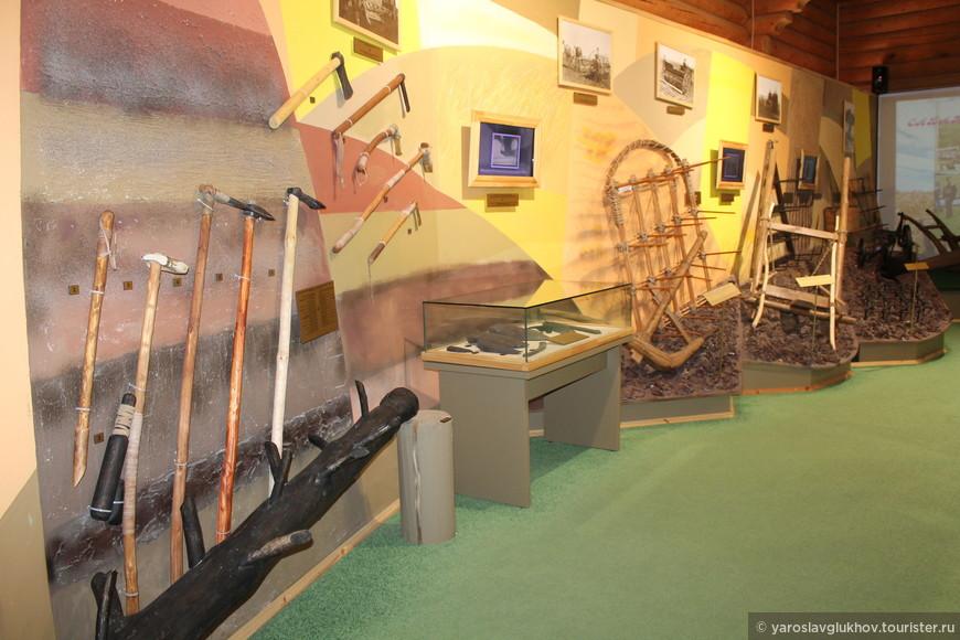 """Внутри одного из павильонов музея хлеба в ресторане """"Чингисхан""""."""