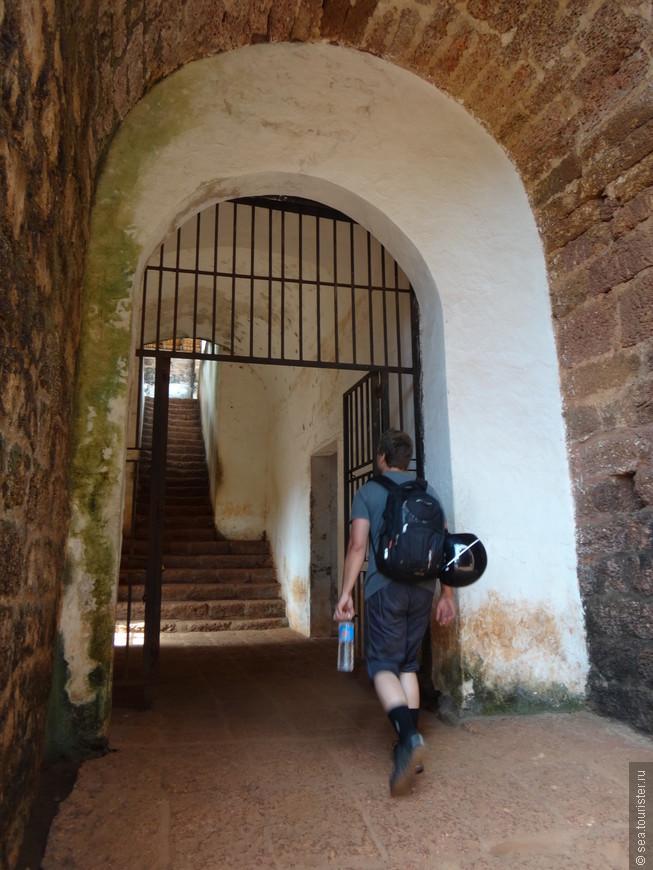 одни из ворот форта Агуада
