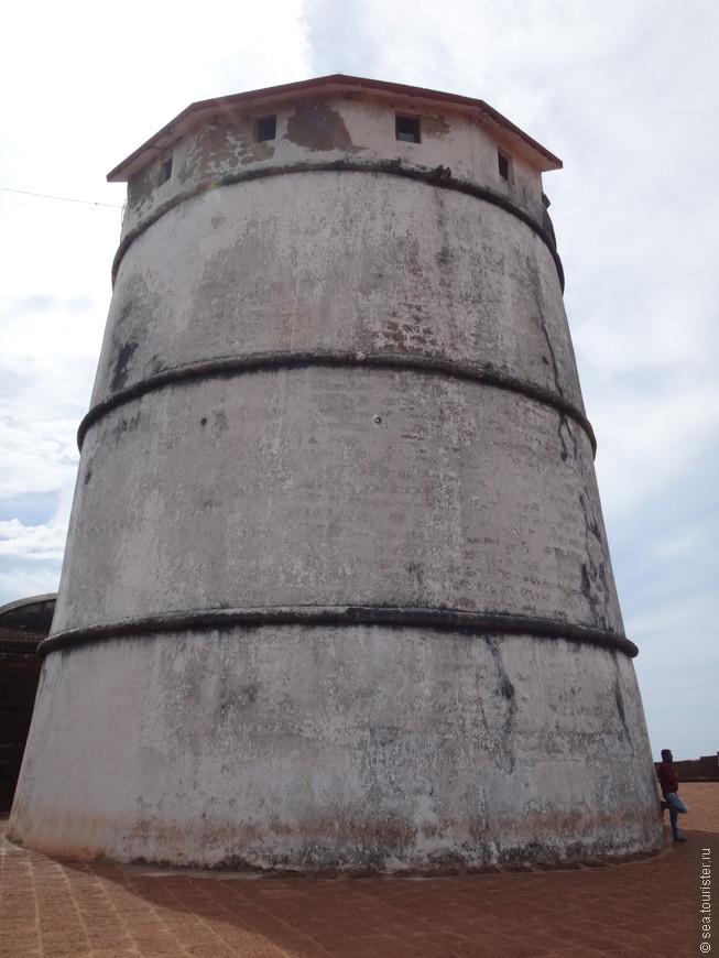 маяк  был построен в 1864 году, а использовался до 1976 года