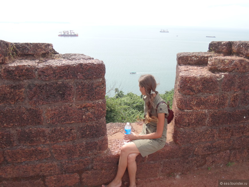 с форта открывается вид на море