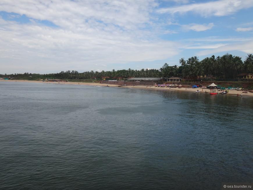 расположенный рядом пляж Синкерим