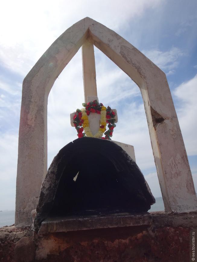цветы играют важную роль в индуизме, считается, что боги исполняют любые желания, если им преподнести цветы