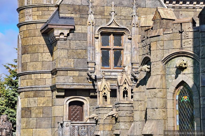 07. Замок строится по всем правилам средневековья. Каждая деталь имеет свое название и предназначение. У каждой детали есть свои каноны дизайна и они соблюдаются. Детали это главная «фишка» замка.