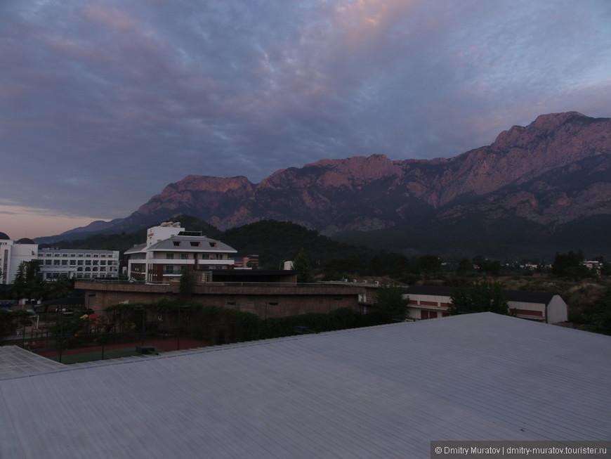 Рассвет в пять утра. Вид из номера