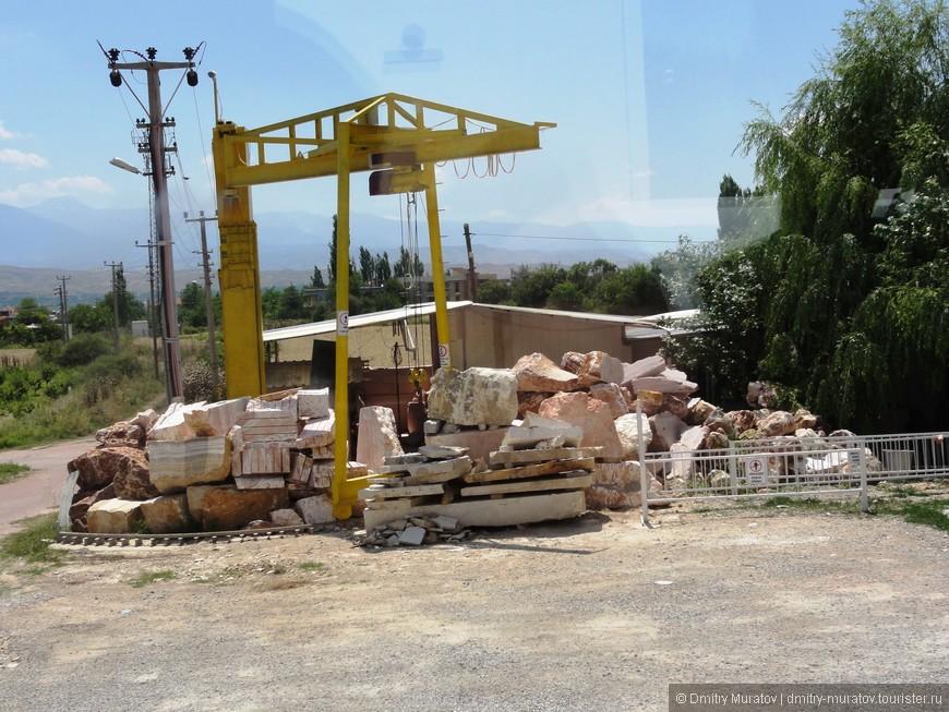 Обработка мрамора недалеко от Памуккале